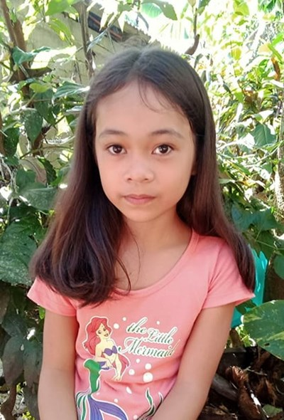 Help Joannie B. by becoming a child sponsor. Sponsoring a child is a rewarding and heartwarming experience.
