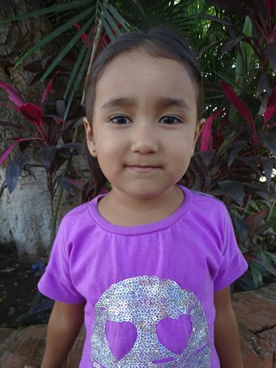 Help Melanie Julissa by becoming a child sponsor. Sponsoring a child is a rewarding and heartwarming experience.