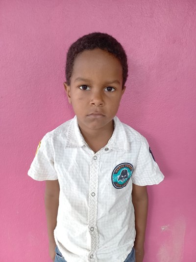 Help Lenyer Esterlin by becoming a child sponsor. Sponsoring a child is a rewarding and heartwarming experience.