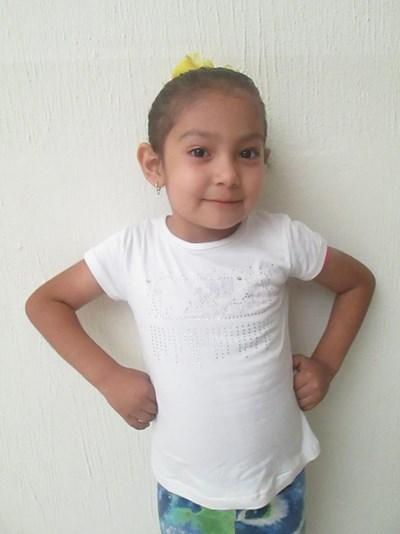 Ayude a María Guadalupe apadrinándole hoy. El apadrinamiento es una experiencia hermosa y gratificante.