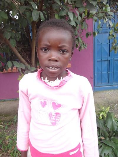 Ayude a Bupe Mumba apadrinándole hoy. El apadrinamiento es una experiencia hermosa y gratificante.