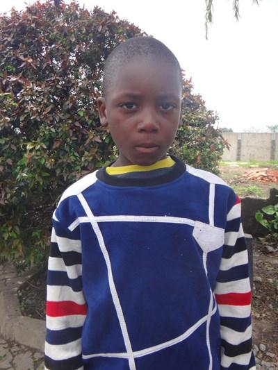 Ayude a Samuel apadrinándole hoy. El apadrinamiento es una experiencia hermosa y gratificante.