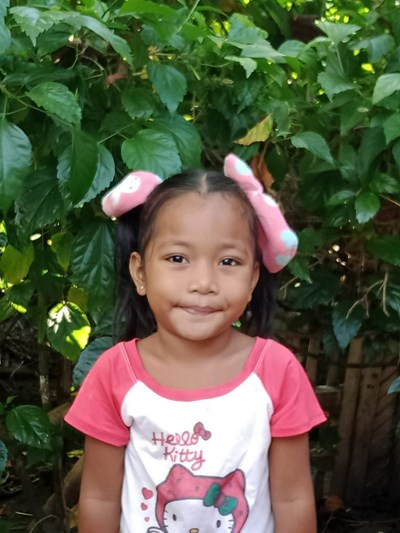 Help Nathaly B. by becoming a child sponsor. Sponsoring a child is a rewarding and heartwarming experience.