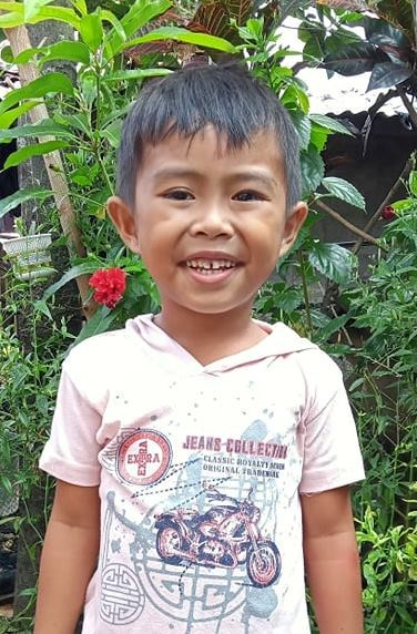 Help Jan Cyron E. by becoming a child sponsor. Sponsoring a child is a rewarding and heartwarming experience.