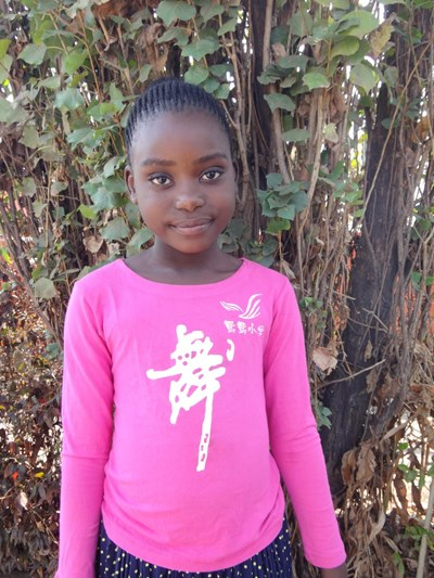 Help Sipiwe by becoming a child sponsor. Sponsoring a child is a rewarding and heartwarming experience.