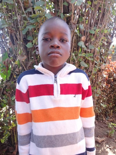 Help Simon by becoming a child sponsor. Sponsoring a child is a rewarding and heartwarming experience.