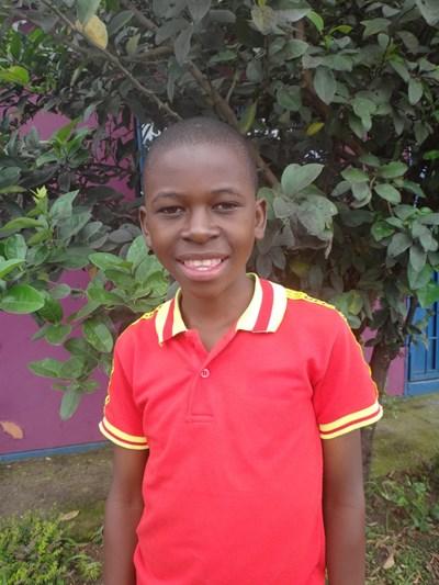 Ayude a Emmanuel apadrinándole hoy. El apadrinamiento es una experiencia hermosa y gratificante.