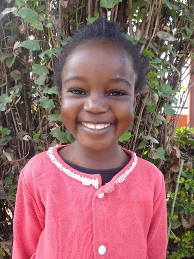 Help Naomi by becoming a child sponsor. Sponsoring a child is a rewarding and heartwarming experience.