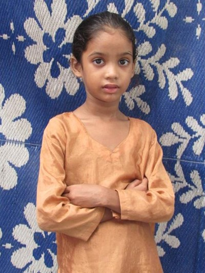 Help Alisa by becoming a child sponsor. Sponsoring a child is a rewarding and heartwarming experience.