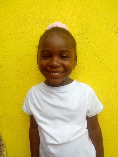 Help Yuleinis Maria by becoming a child sponsor. Sponsoring a child is a rewarding and heartwarming experience.