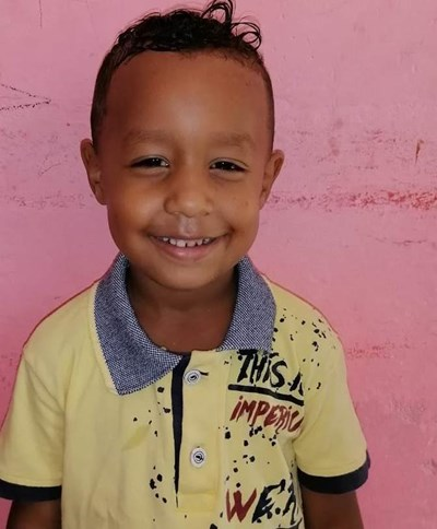 Help Dayler Andres by becoming a child sponsor. Sponsoring a child is a rewarding and heartwarming experience.