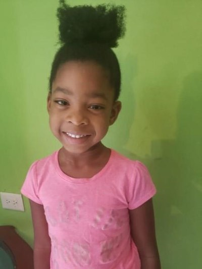 Help Airis Virginia by becoming a child sponsor. Sponsoring a child is a rewarding and heartwarming experience.
