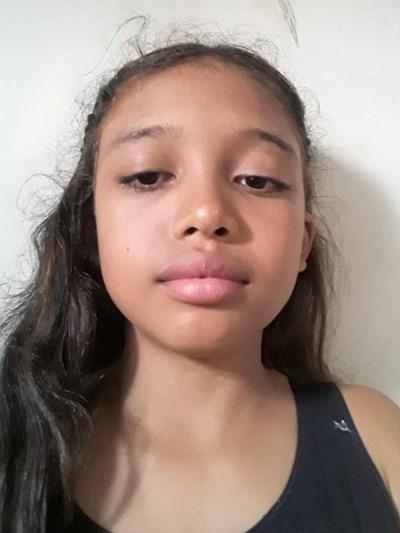 Ayude a Nathalia Esther apadrinándole hoy. El apadrinamiento es una experiencia hermosa y gratificante.