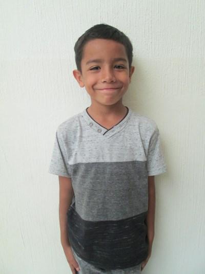 Ayude a José Matias apadrinándole hoy. El apadrinamiento es una experiencia hermosa y gratificante.