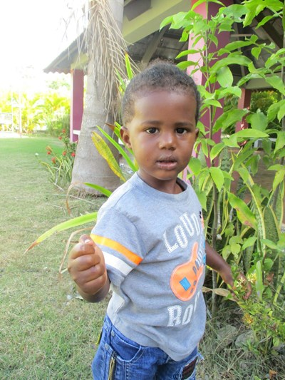 Help Jeury Yael by becoming a child sponsor. Sponsoring a child is a rewarding and heartwarming experience.