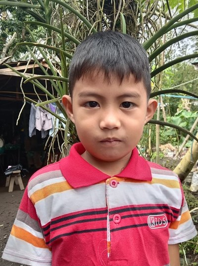 Help John Alcris E. by becoming a child sponsor. Sponsoring a child is a rewarding and heartwarming experience.