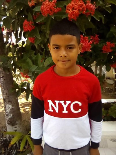Help Frank David by becoming a child sponsor. Sponsoring a child is a rewarding and heartwarming experience.