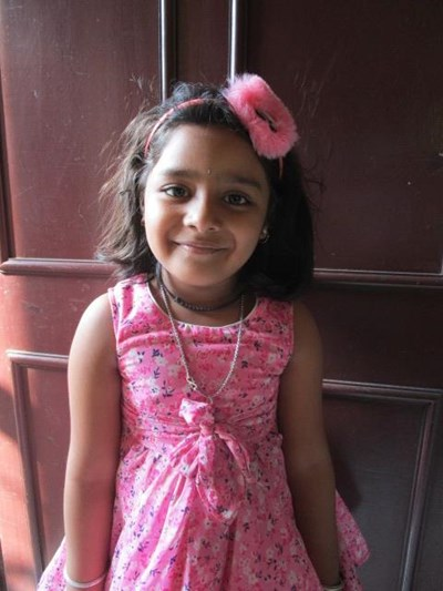 Help Rashmi by becoming a child sponsor. Sponsoring a child is a rewarding and heartwarming experience.