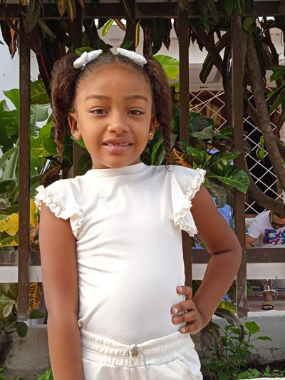 Help Yorgelis by becoming a child sponsor. Sponsoring a child is a rewarding and heartwarming experience.
