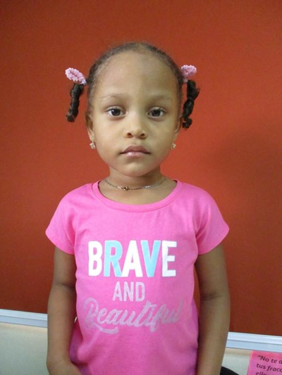 Help Luisanny by becoming a child sponsor. Sponsoring a child is a rewarding and heartwarming experience.