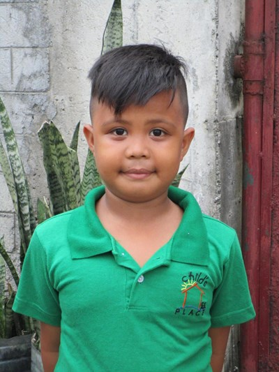 Help Alden V. by becoming a child sponsor. Sponsoring a child is a rewarding and heartwarming experience.