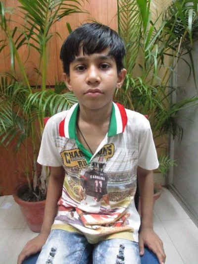 Help Hayat by becoming a child sponsor. Sponsoring a child is a rewarding and heartwarming experience.