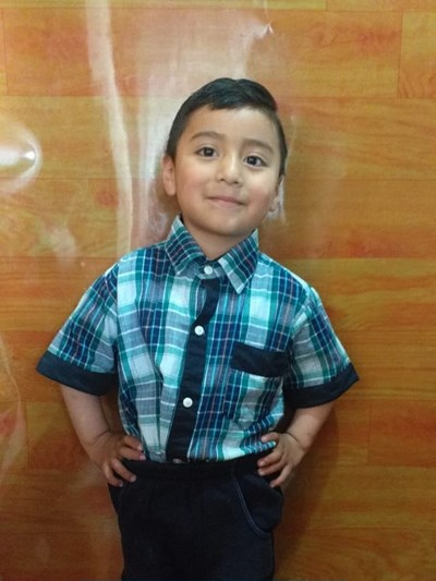 Help Robert Isaac by becoming a child sponsor. Sponsoring a child is a rewarding and heartwarming experience.