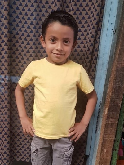 Help Enrique Estuardo by becoming a child sponsor. Sponsoring a child is a rewarding and heartwarming experience.