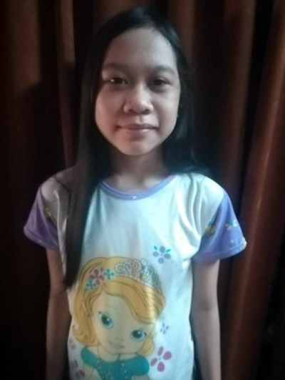 Help Arianne T. by becoming a child sponsor. Sponsoring a child is a rewarding and heartwarming experience.