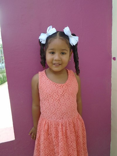 Help Yarianny Massiel by becoming a child sponsor. Sponsoring a child is a rewarding and heartwarming experience.