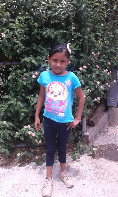 Help Melany Joselin by becoming a child sponsor. Sponsoring a child is a rewarding and heartwarming experience.