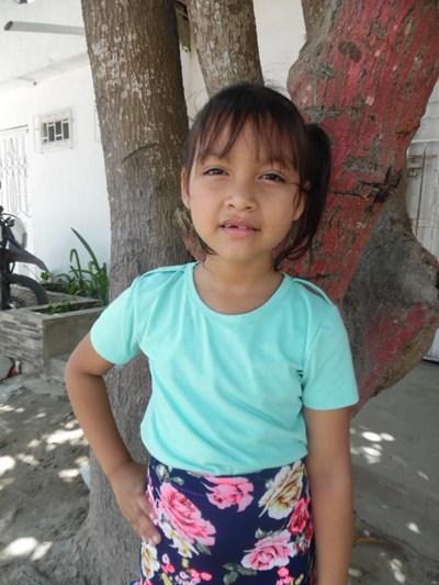 Ayude a Asly Maite apadrinándole hoy. El apadrinamiento es una experiencia hermosa y gratificante.