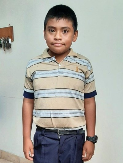 Help Wilmer Raul by becoming a child sponsor. Sponsoring a child is a rewarding and heartwarming experience.