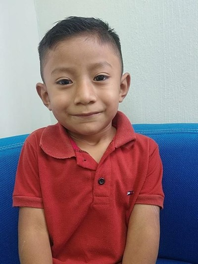 Help Oscar Fernando by becoming a child sponsor. Sponsoring a child is a rewarding and heartwarming experience.