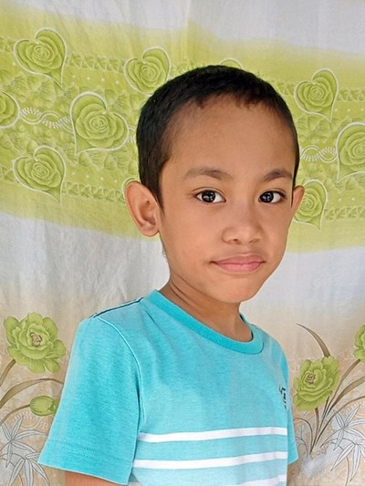 Help Jhon Jaywen E. by becoming a child sponsor. Sponsoring a child is a rewarding and heartwarming experience.