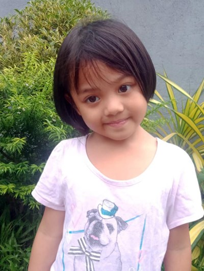 Help Maxiene by becoming a child sponsor. Sponsoring a child is a rewarding and heartwarming experience.