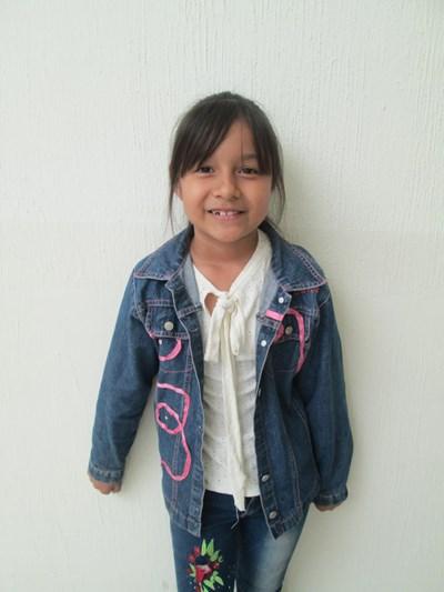 Ayude a Ximena Guadalupe apadrinándole hoy. El apadrinamiento es una experiencia hermosa y gratificante.