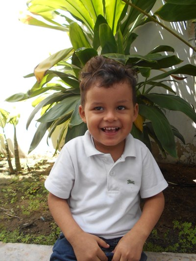 Help Jesus Daniel by becoming a child sponsor. Sponsoring a child is a rewarding and heartwarming experience.