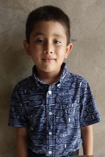 Help Jerson by becoming a child sponsor. Sponsoring a child is a rewarding and heartwarming experience.