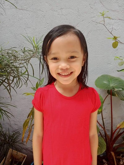 Help Janella Atheana E. by becoming a child sponsor. Sponsoring a child is a rewarding and heartwarming experience.