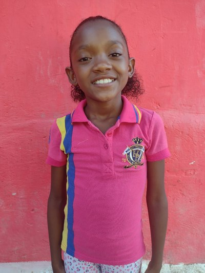 Help Emelin Stefani by becoming a child sponsor. Sponsoring a child is a rewarding and heartwarming experience.