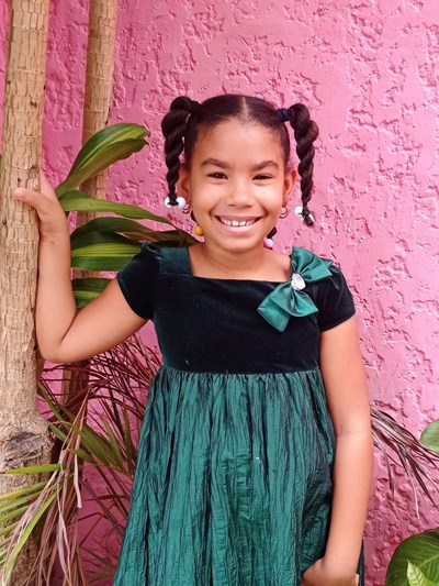 Help Alenairad Michelle by becoming a child sponsor. Sponsoring a child is a rewarding and heartwarming experience.