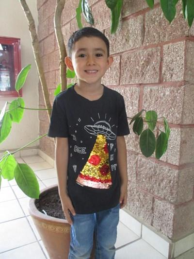 Ayude a Tadeo Daniel apadrinándole hoy. El apadrinamiento es una experiencia hermosa y gratificante.