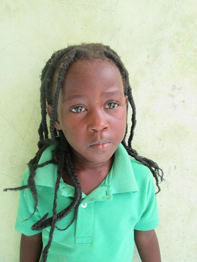 Help Genesis by becoming a child sponsor. Sponsoring a child is a rewarding and heartwarming experience.