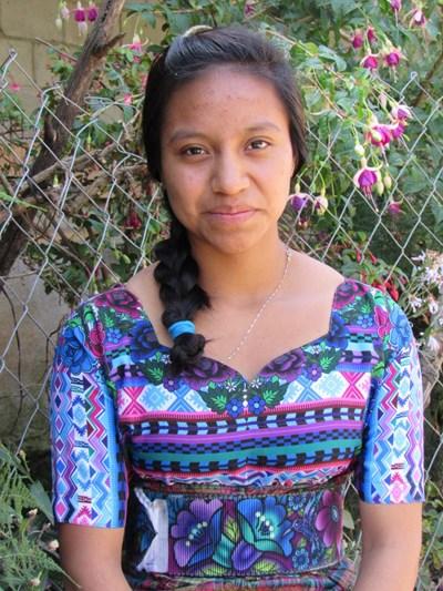 Ayude a Clarita Ester apadrinándole hoy. El apadrinamiento es una experiencia hermosa y gratificante.