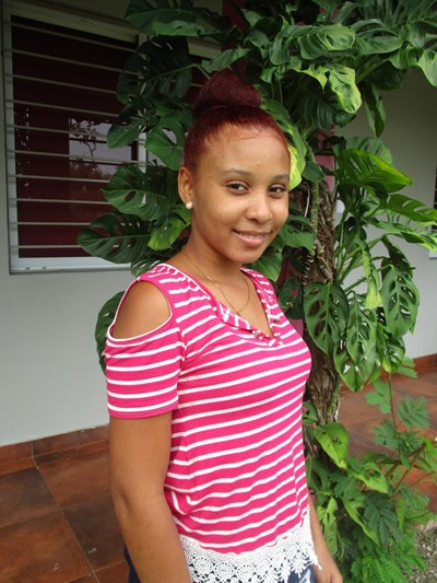 Help Leandra by becoming a child sponsor. Sponsoring a child is a rewarding and heartwarming experience.